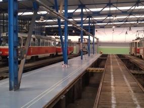Nové podlahy z plastbetonu ve vozovnách Žižkov a Vokovice