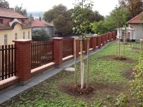 Výstavba nové opěrné zdi v Praze 4 - Podolí