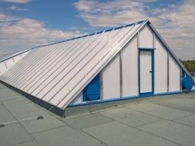 Oprava střechy STK v garážích DPP v Hostivaři