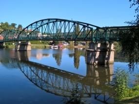 Oprava železného nýtovaného mostu v Davli