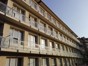 Oprava balkónů infekční kliniky nemocnice Na Bulovce